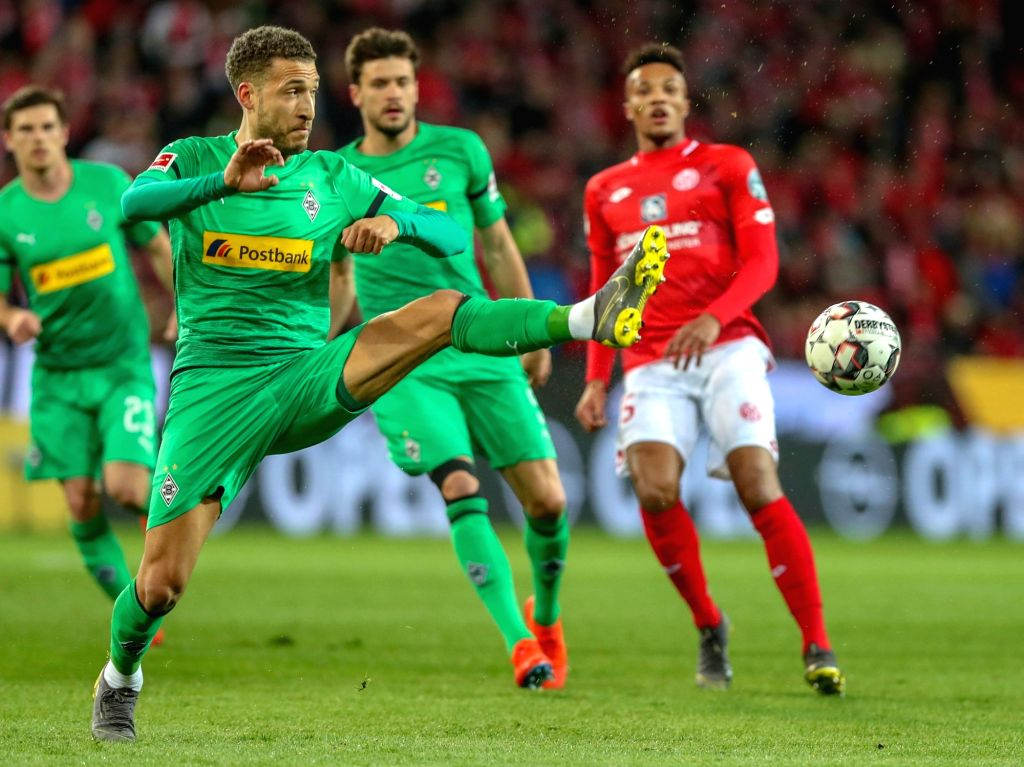 MAINZ, March 10, 2019 - Fabian Johnson (Front) of Moenchengladbach competes during the Bundesliga match between FSV Mainz 05 and Borussia Moenchengladbach in Mainz, Germany, March 9, 2019. ...