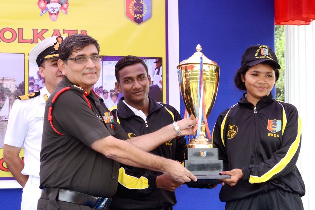 Major General Ashok Kumar, GOC, Bengal Area hand over the Trophy for the best overall performance of the Sailing Expedition from Farakka to Kolkata at the Man-of-War Jetty in Kolkata on Oct ... - General Ashok Kumar