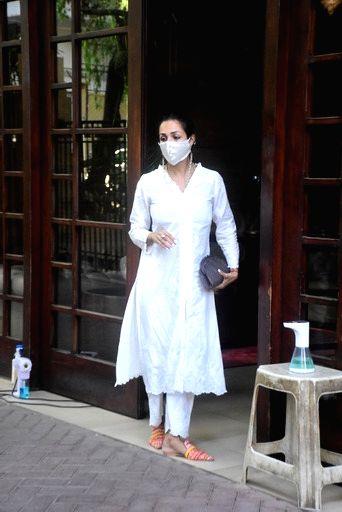 Malaika Arora spotted at her house in Bandra On Tuesday 06th April, 2021. - Malaika Arora