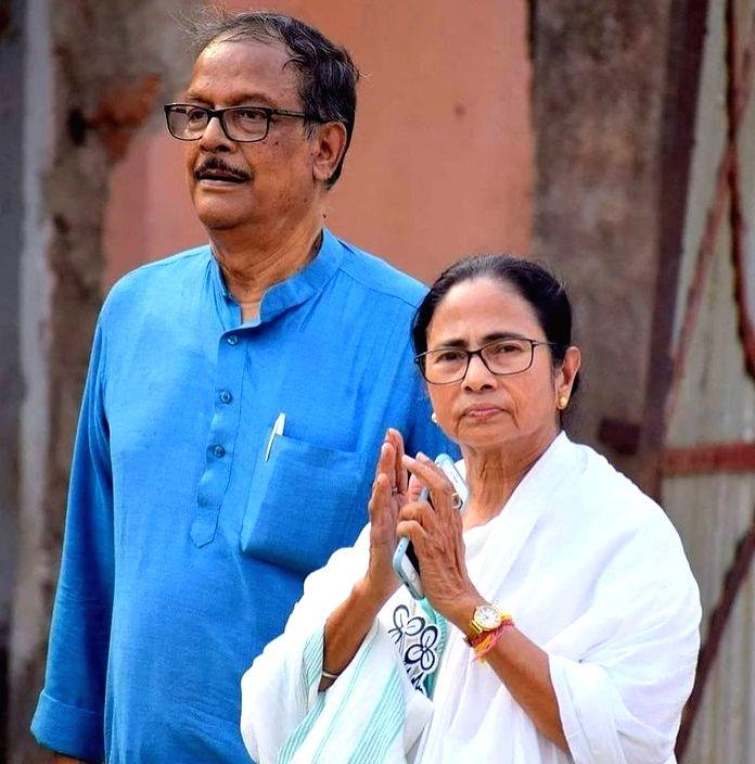 Mamata Banerjee and Moloy Ghatak.(photo:Instagram) - Mamata Banerjee