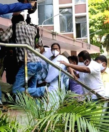 Mamata Banerjee outside Nizam Palace CBI HQ on May 17 that has been seen as an act of 'subverting rule of law'. - Mamata Banerjee