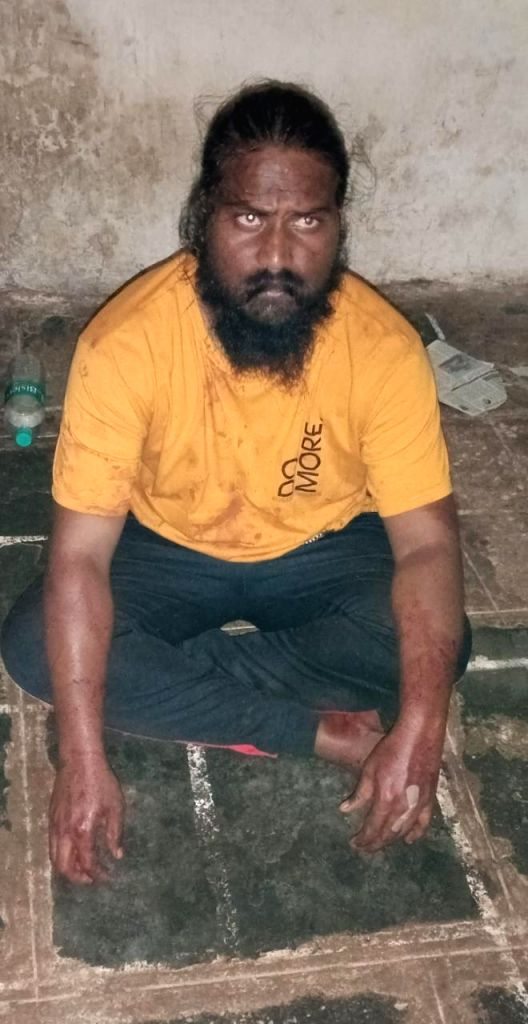 Man stabs lover for calling up his wife in K'taka.