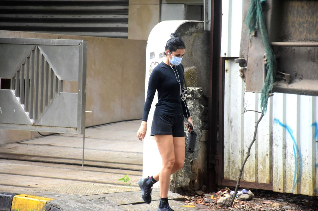 Mandana Karimi Spotted In Bandra On Wednesday, 2nd June, 2021.