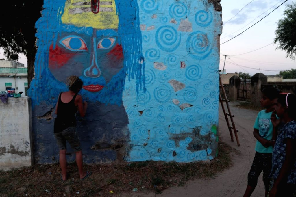mandawa art village.