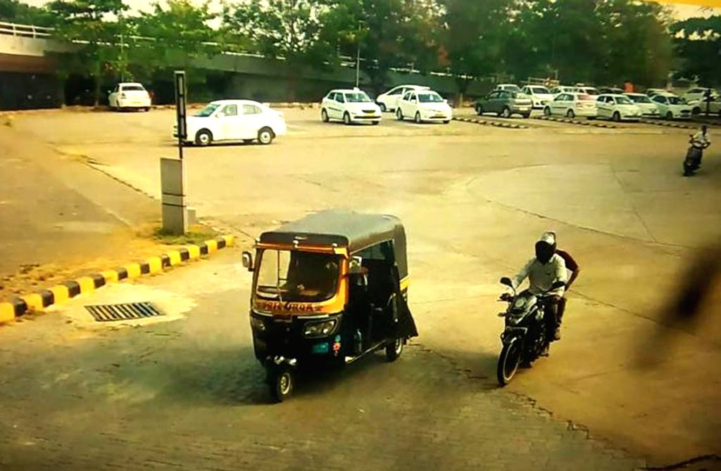 Mangaluru: A still from the CCTV footage that shows the auto that carried a low intensity Improvised Explosive Device (IED) found inside an unattended bag to the Mangalore airport, on Jan 20, 2020. It all began at 8.45 a.m. when Central Industrial Se