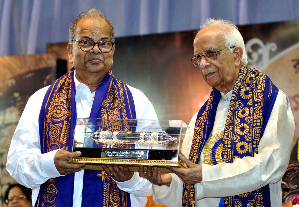 Mani Sankar Mukherjee (L). (Photo: Kuntal Chakrabarty/IANS) - Mani Sankar Mukherjee