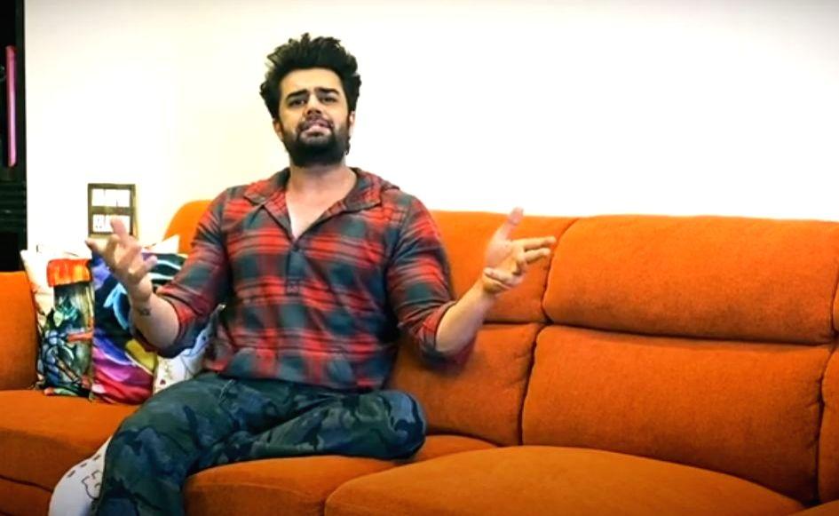Maniesh Paul hosts interactive game show video.