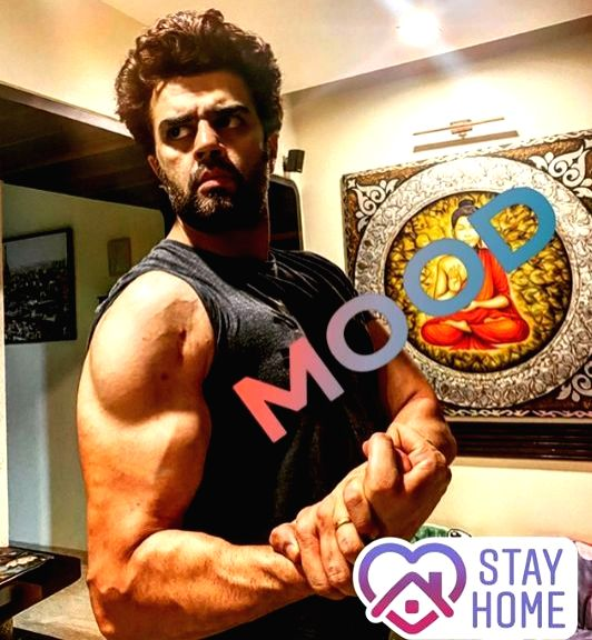 Maniesh Paul on staying fit during COVID-19 lockdown.
