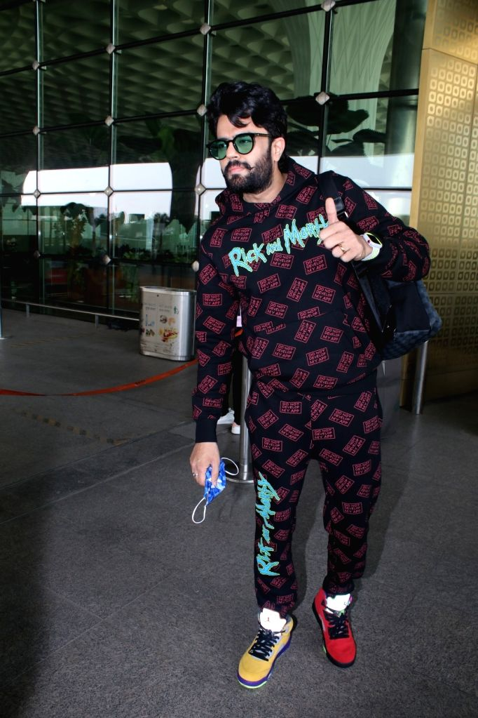 Manish Paul Spotted at Airport Departure on Tuesday 23nd February 2021.