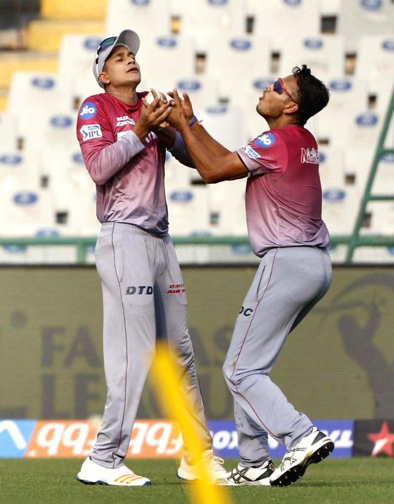 Manjot Kalra and Sayan Ghosh of Delhi Daredevils during a practice session in Mohali on April 7, 2018. - Sayan Ghosh