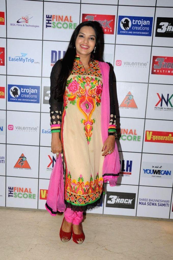 Mansi Pritam during the Satinder Sartaj's `Mehefil-e-Sartaaj` live concert at Hotel Novotel in Juhu, Mumbai on Saturday, June 21, 2014.