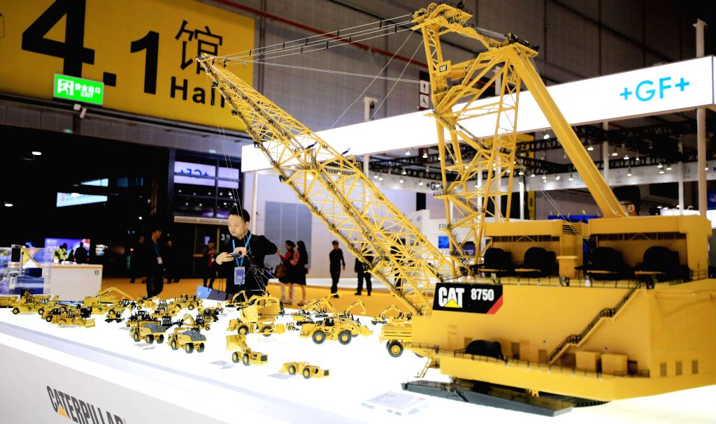 Manufacturing falls to historic low in China