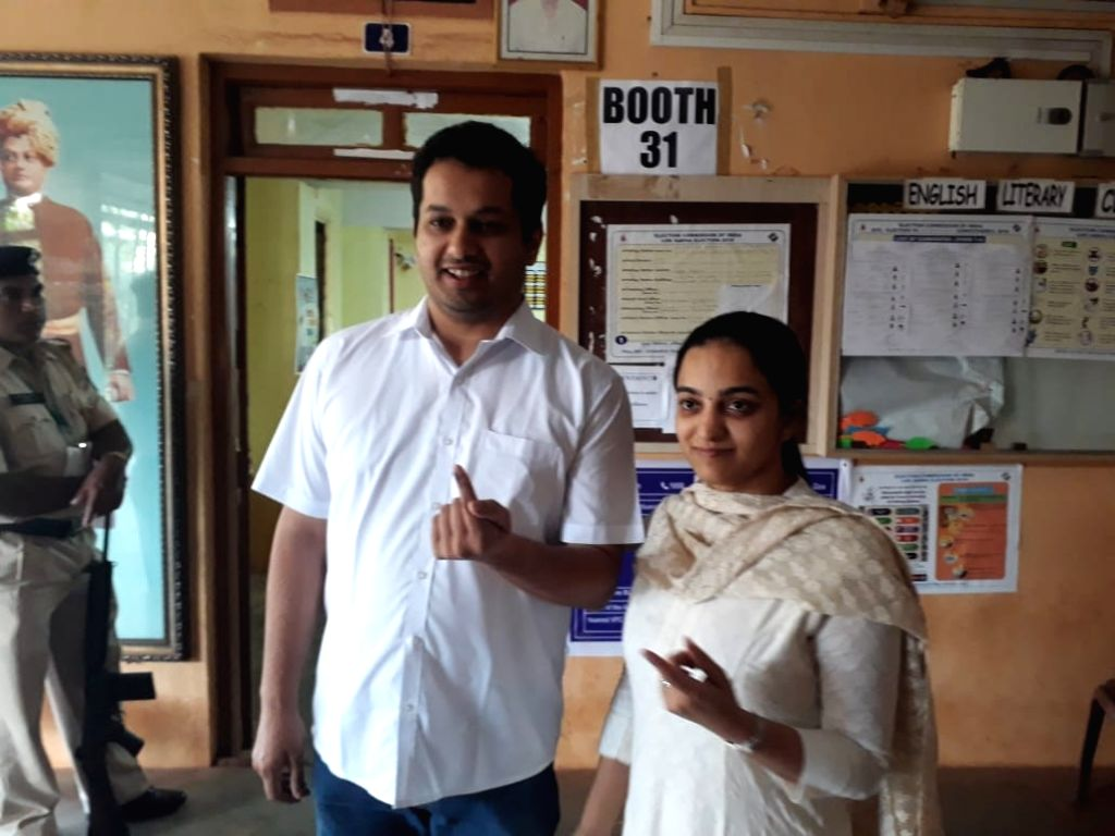 Mapusa: Utpal Parrikar, son of Late Goa Chief Minister Manohar Parrikar shows his inked finger after casting his vote for the third phase of 2019 Lok Sabha elections in North Goa's Mapusa, on April 23, 2019. (Photo: IANS) - Manohar Parrikar