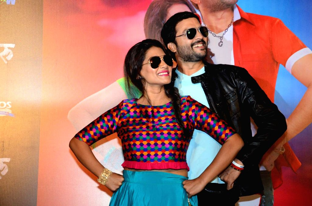 Marathi actors Ankush Chaudhari and Urmila Kanetkar during the song launch of Marathi film Guru on Jan 05, 2016. - Ankush Chaudhari and Urmila Kanetkar