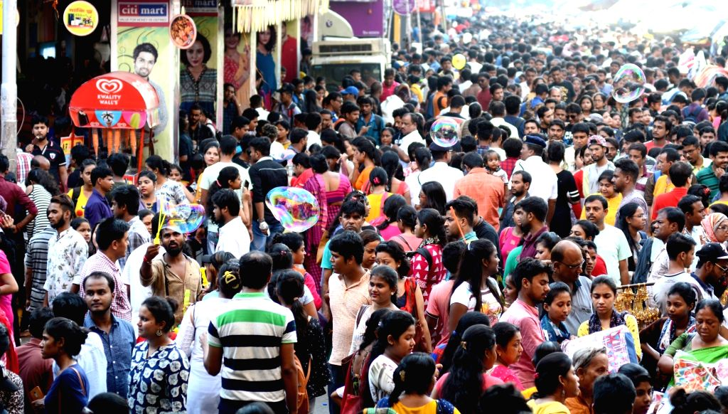 Market bustling with shoppers ahead of Durga Puja, in Kolkata on Sep 15, 2019.