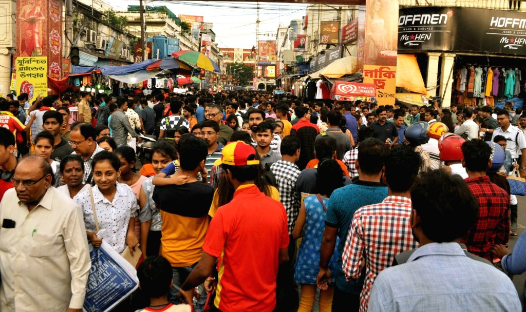 Market bustling with shoppers ahead of Durga Puja, in Kolkata on Sep 29, 2019.