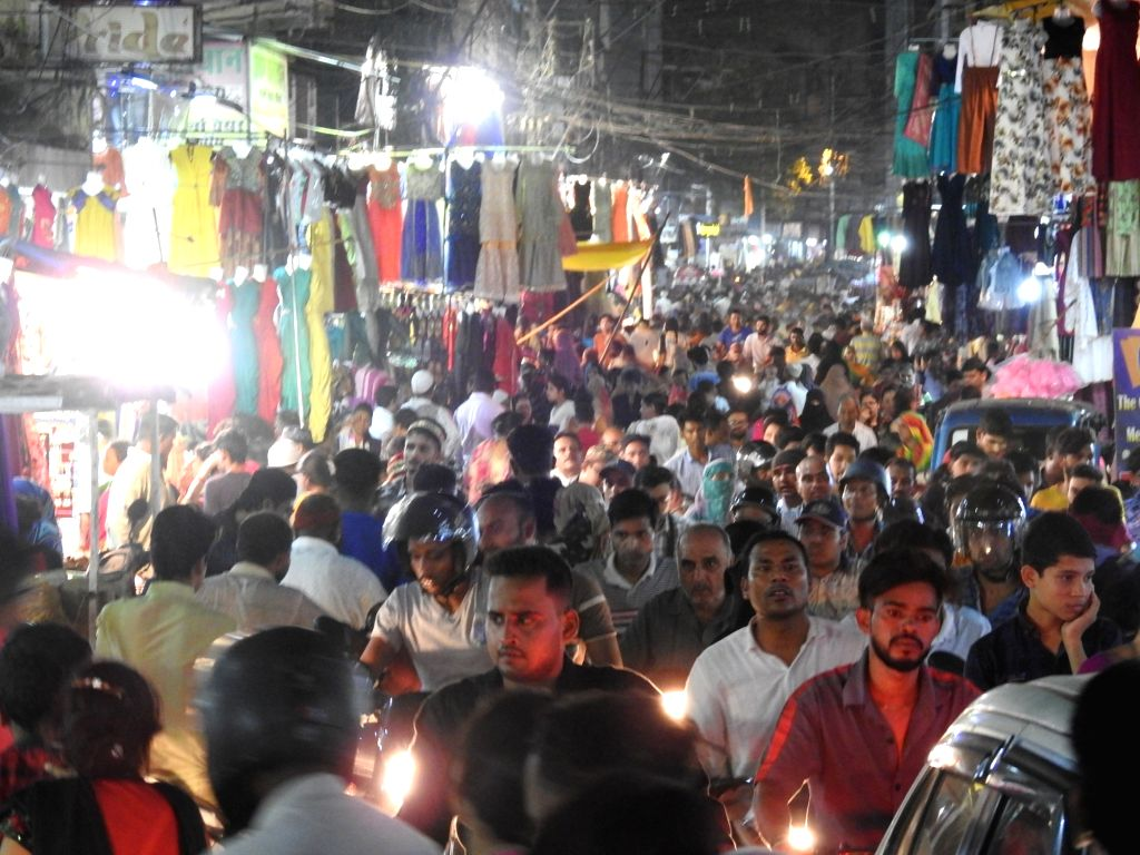 Market bustling with shoppers ahead of Eid-Ul-Fitr, in Raipur on June 4, 2019.