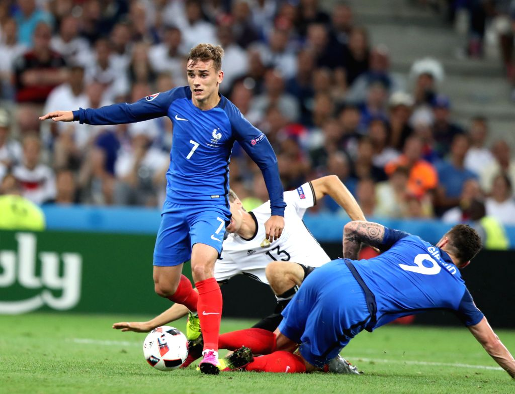 MARSEILLE, July 8, 2016 - Antoine Griezmann (L) of France competes during the Euro 2016 semifinal match between France and Germany in Marseille, France, July 7, 2016.