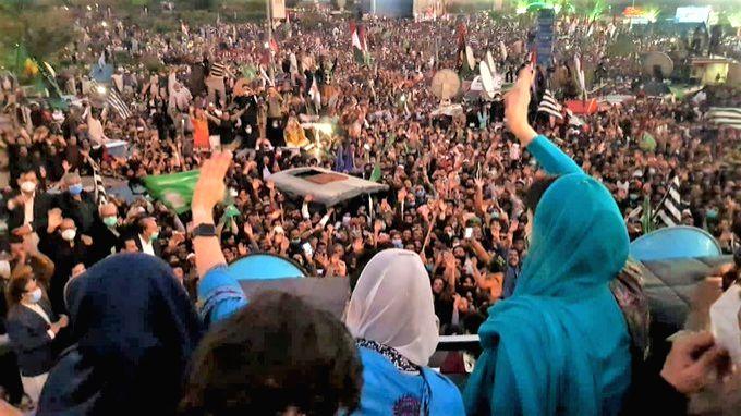 Maryam Nawaz attends Pakistan Democratic Movement's fifth power show in Multan(Credit: twitter.com/MaryamNSharif)