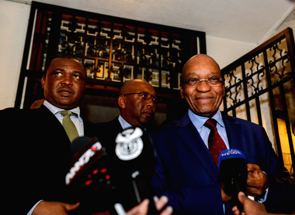Lesotho's Deputy Prime Minister Mothetjoa Metsing (L) receives an interview from the media with visiting South African President Jacob Zuma after a meeting outside .. - Mothetjoa Metsing