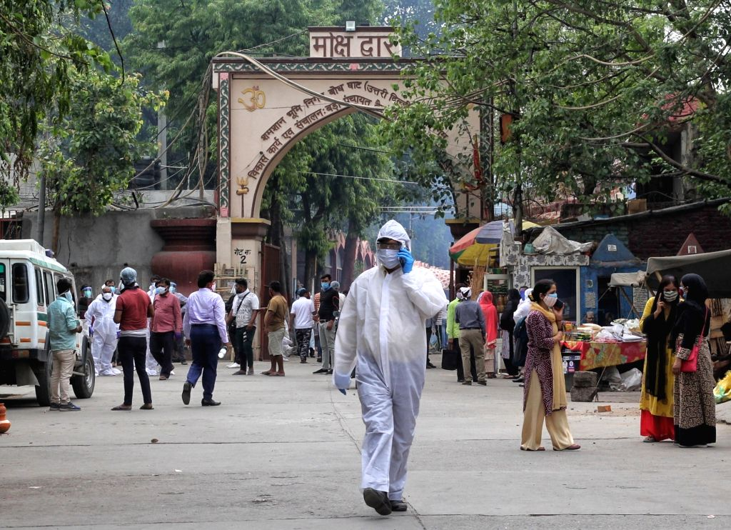 Mass cremation of the body of covid-19 affected victims for last rites at Nigambodh ghat crematorium in New Delhi on Monday, 10 May, 2021.