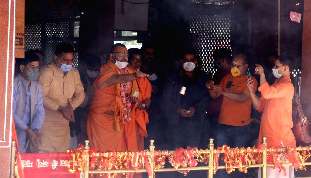 Mata Kheer Bhawani festival being celebrated in Kashmir on Friday.(photo: UMAR QADIR)