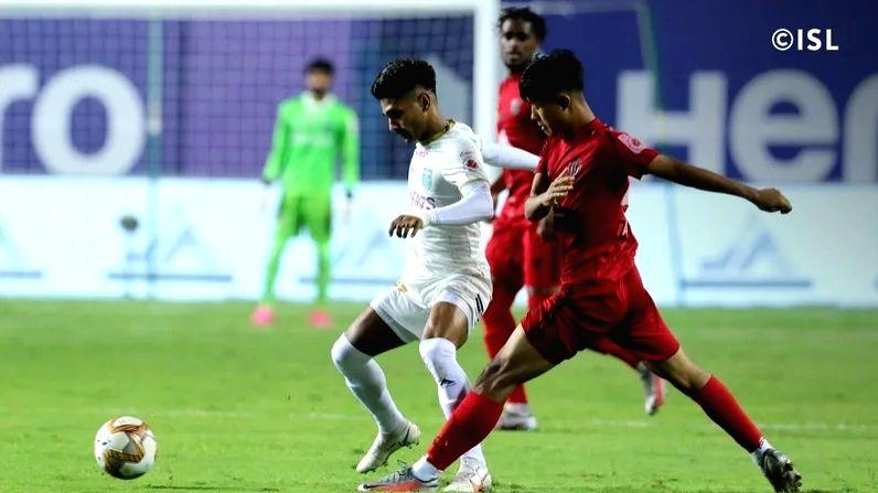 Match 107: NorthEast United FC vs Kerala Blasters FC, Tilak Maidan Stadium.
