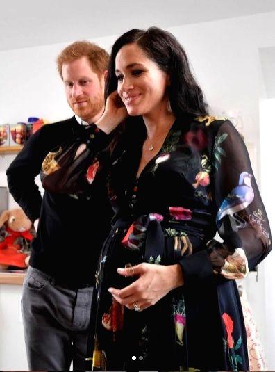 Maternity fashion the celebrity way. (photo:Ianslife)
