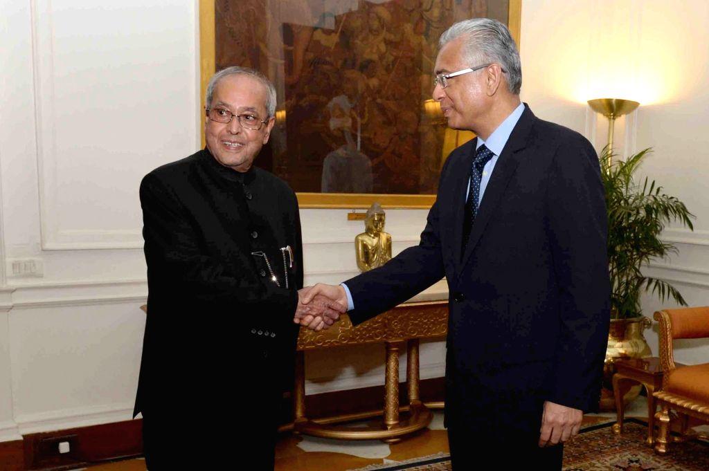 Mauritian Prime Minister Pravind Kumar Jugnauth calls on President Pranab Mukherjee at Rashtrapati Bhawan, on May 27, 2017. - Pravind Kumar Jugnauth and Pranab Mukherjee