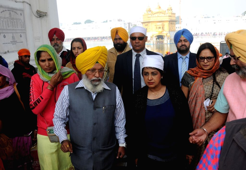 Mauritius President Ameenah Gurib pays obeisance at the Golden Temple in Amritsar on Nov. 20, 2016.