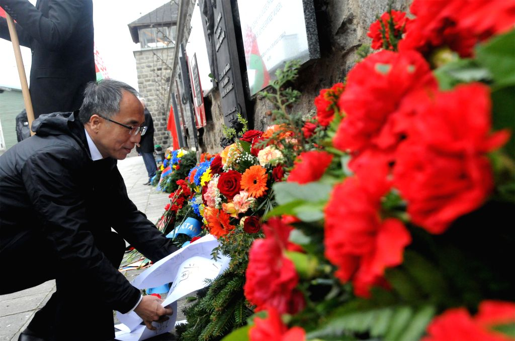 MAUTHAUSEN, May 8, 2017 - Chinese Ambassador to Austria Li Xiaosi pays tribute to those killed during a memorial service to commemorate the 72nd anniversary of the liberation of the Mauthausen ...