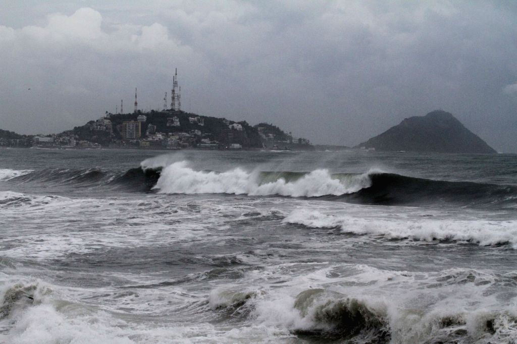"""Strong waves caused by hurricane """"Norbert"""" hit Mazatlan Port, in Sinaloa State, northwest Mexico, on Sept. 4, 2014. Hurricane """"Norbert"""" will ..."""