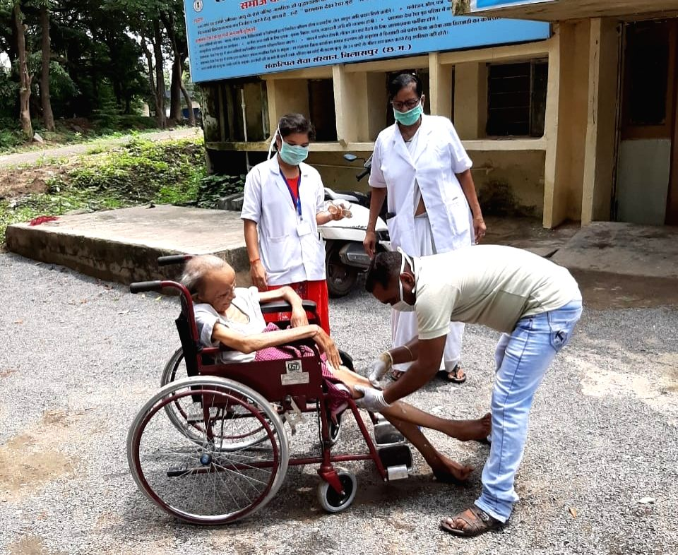 Medical staff at the Palliative Care Centre for elderly people in Bilaspur on Sep 6, 2019.