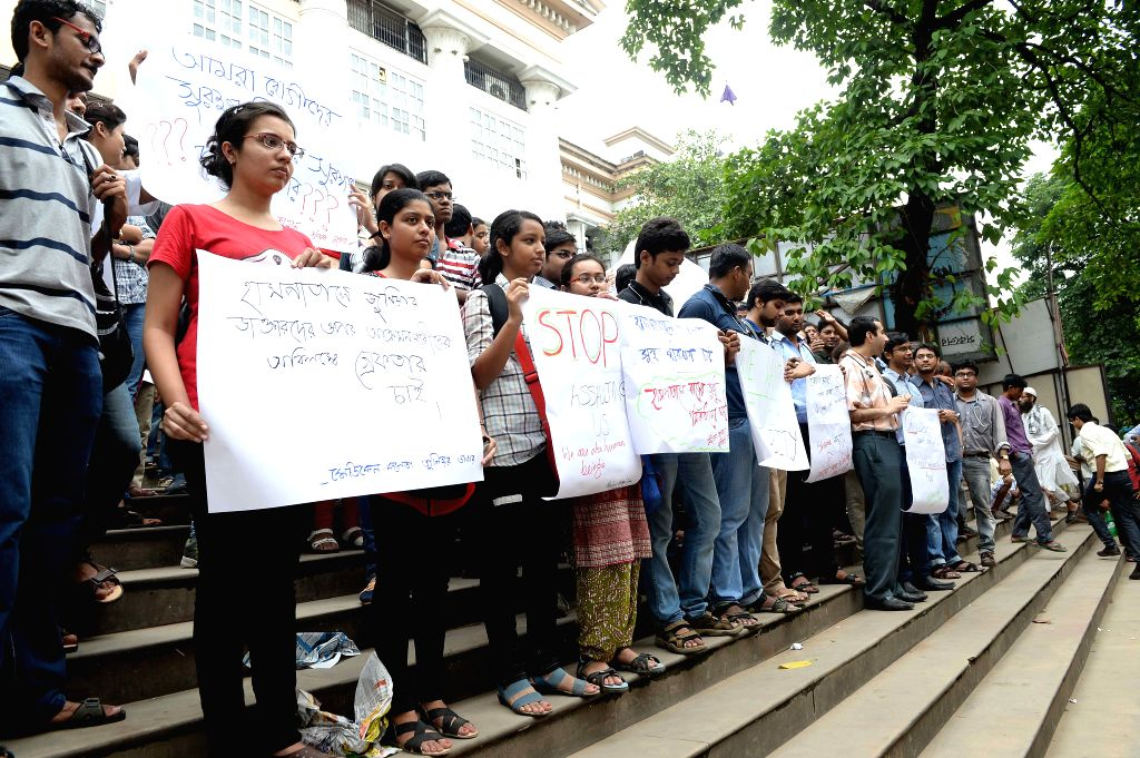 Medical students and junior doctors stage a demonstration against attacks on doctors in Kolkata  on Aug 18, 2015.