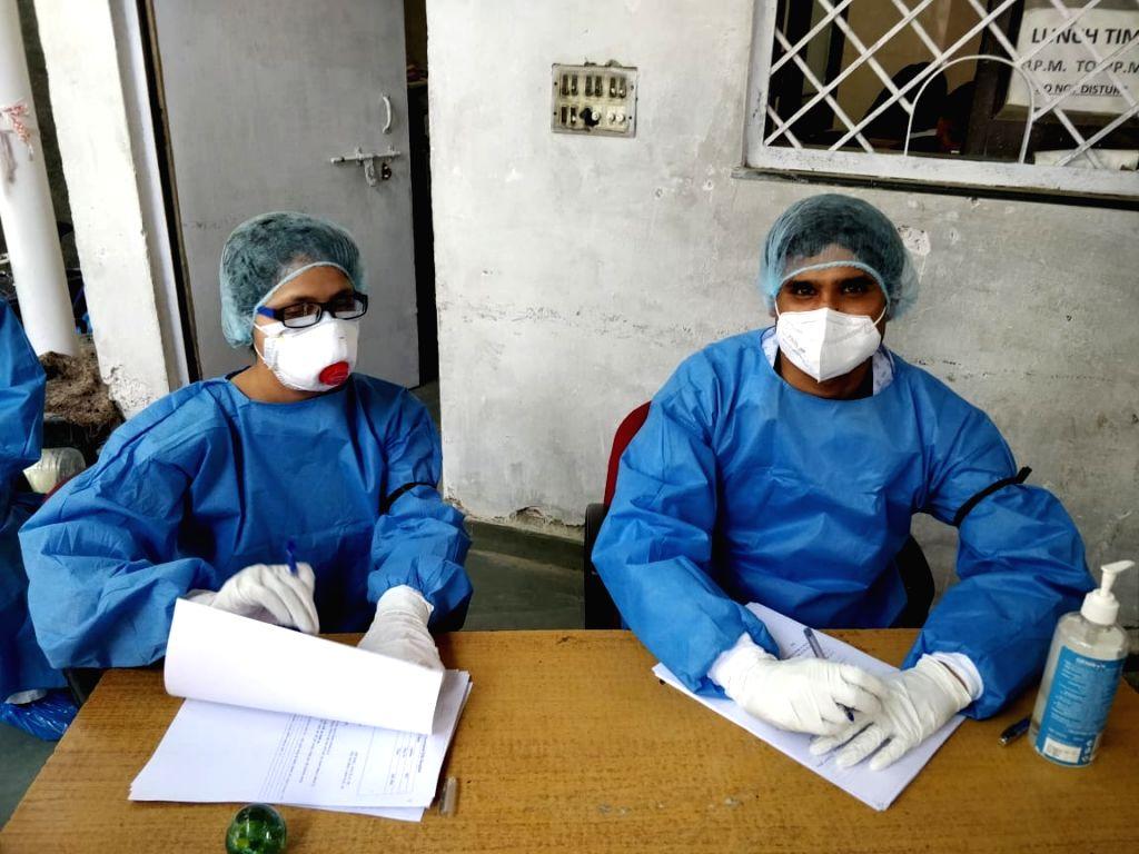 Medics hold Black Ribbon protest against Centre and State govt for revised quarantine guidelines.