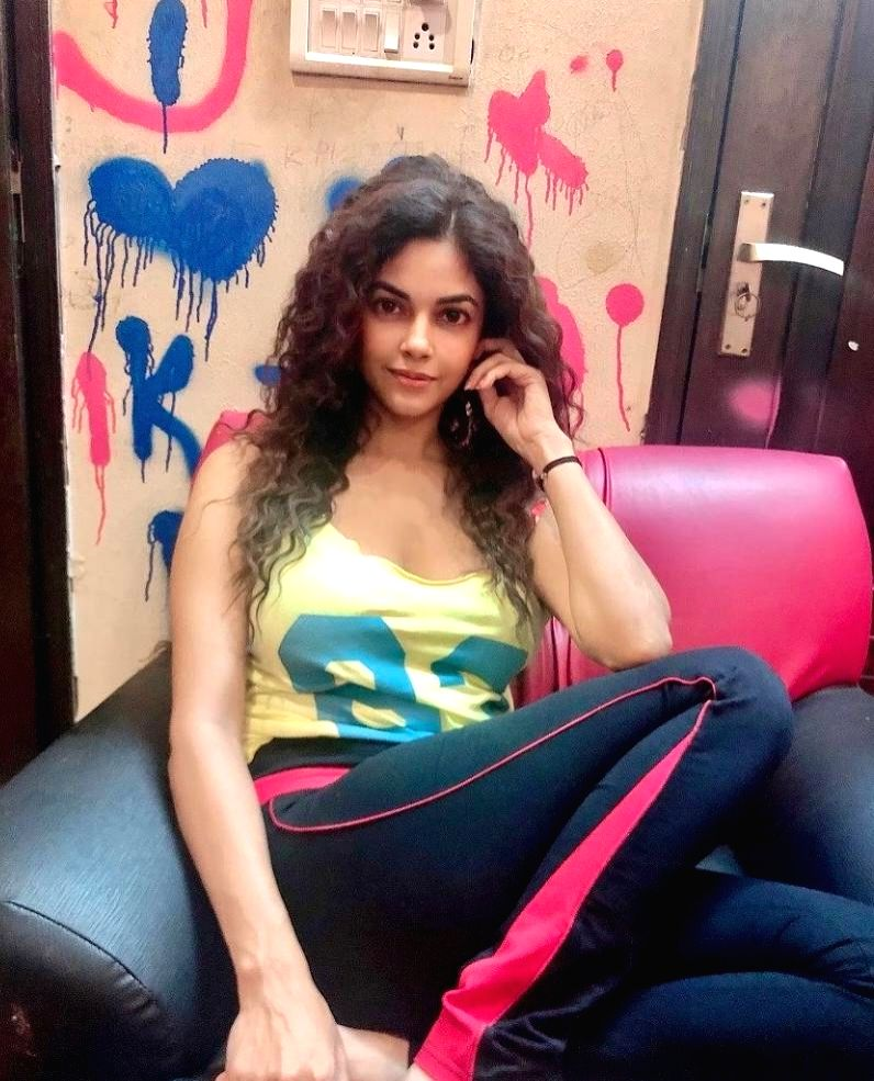 Meera Chopra: I really hope producers wait for cinemas to open. - Meera Chopra