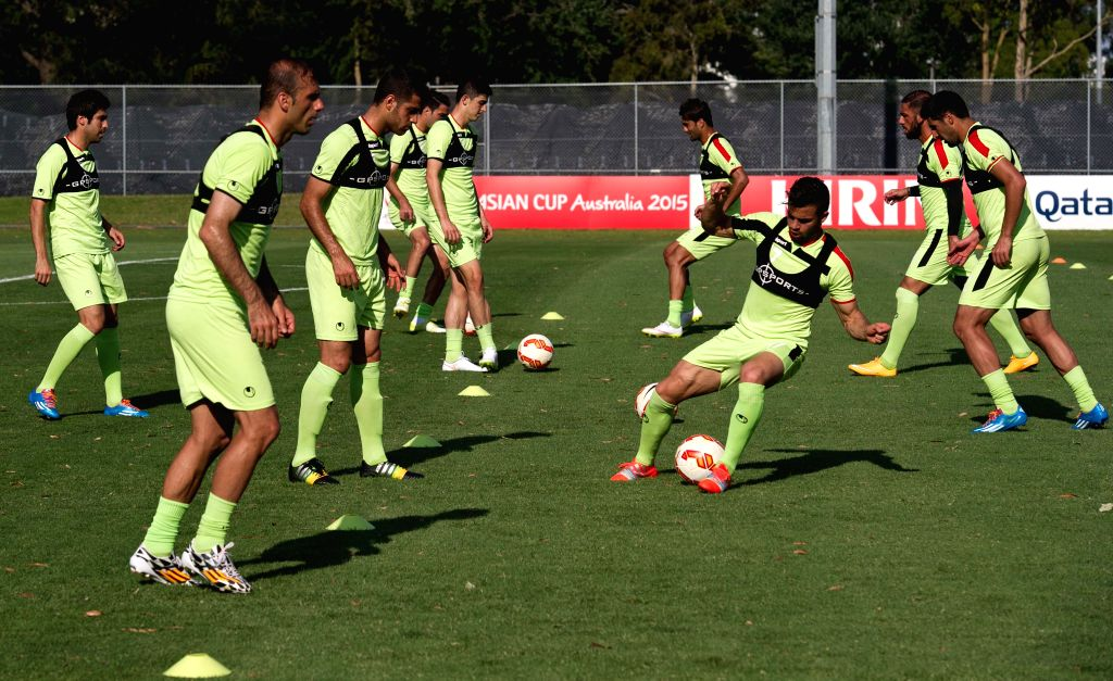Players of Iran soccer team attend a team training session ahead of the AFC Asian Cup at SS Anderson Stadium in Melbourne, Australia, Jan. 7, 2015. (Xinhua/Bai ...