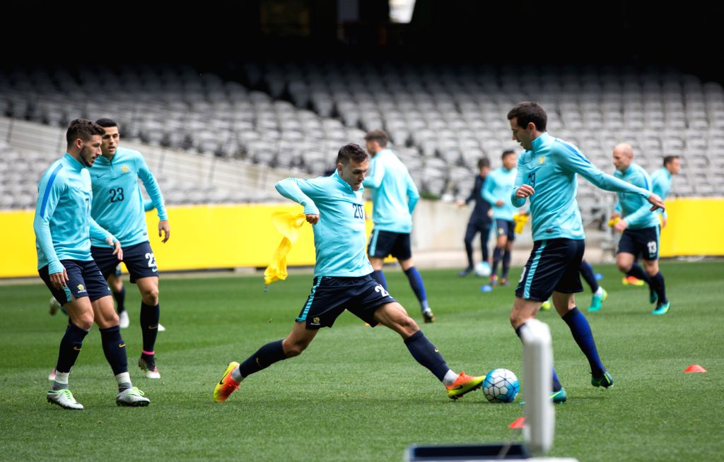 MELBOURNE, Oct. 10, 2016 - Australian player Trent Sainsbury (3rd L) attends a pre-match training before the 2018 FIFA World Cup qualifier match against Japan, in Melbourne, Australia, Oct. 10, 2016. ...