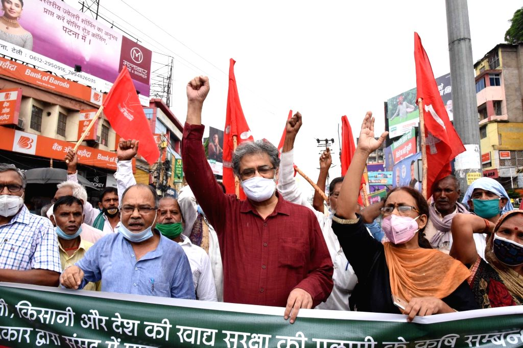 Members of Akhil Bharatiya Kisan Sabha stage a demonstration against the three contentious agriculture-related Bills that have led to agitation by farmers in many states, in Patna on Sep 25, ...