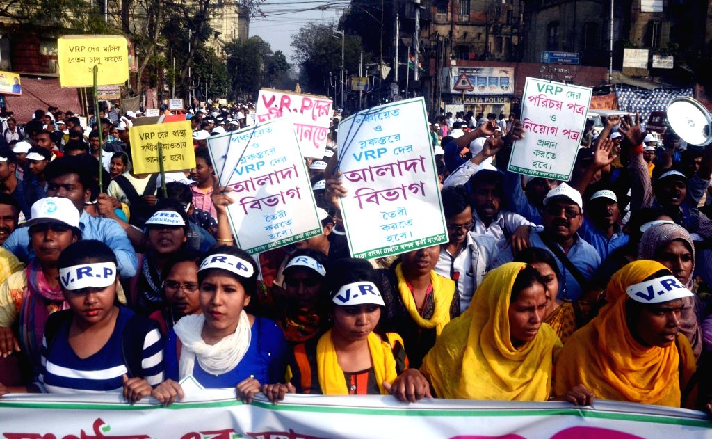 Members of All Bengal Resource Persons Employees Association stage a protest against the state government in Kolkata on Feb 15, 2019.
