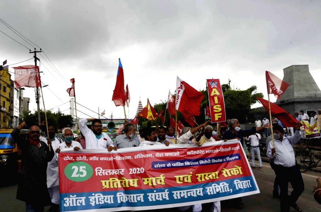 Members of All India Kisan Sangharsh Coordination Committee stage a demonstration against the three contentious agriculture-related Bills that have led to agitation by farmers in many states, ...