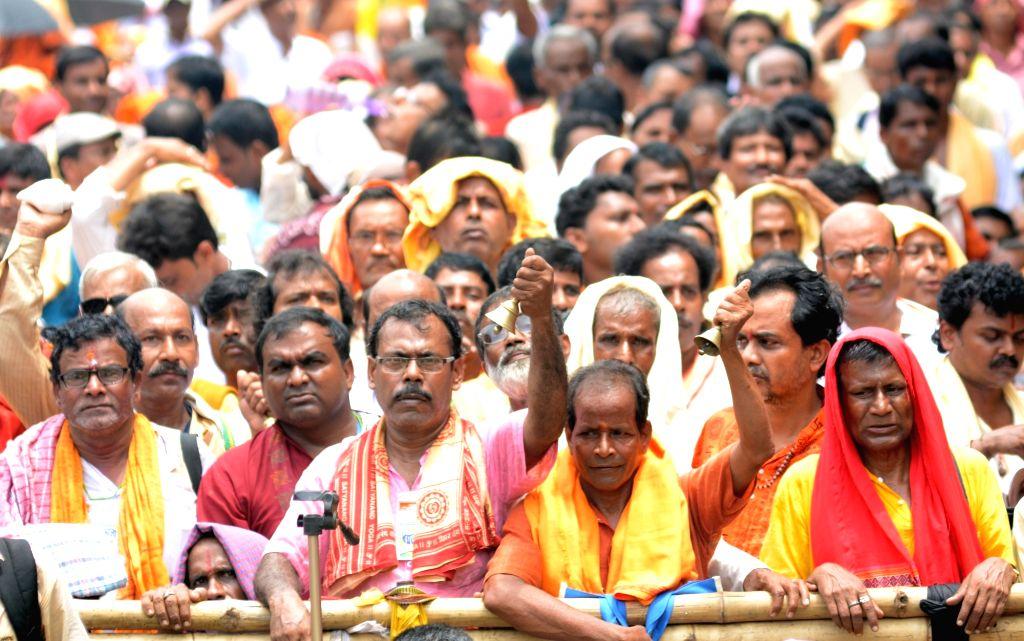 Members of Paschim Banga Rajya Sanatan Brahman Trust stage a demonstration to press for their various demands in Kolkata on Aug 9, 2019.