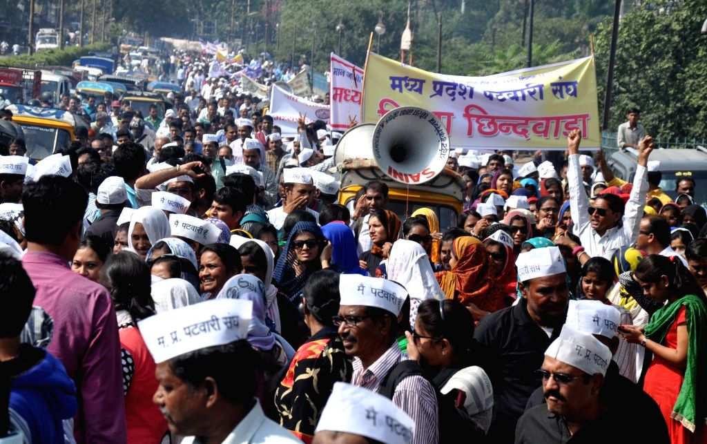 Members of Patwari Sangh stage a demonstration to press for their demands in Bhopal on Nov 16, 2015.