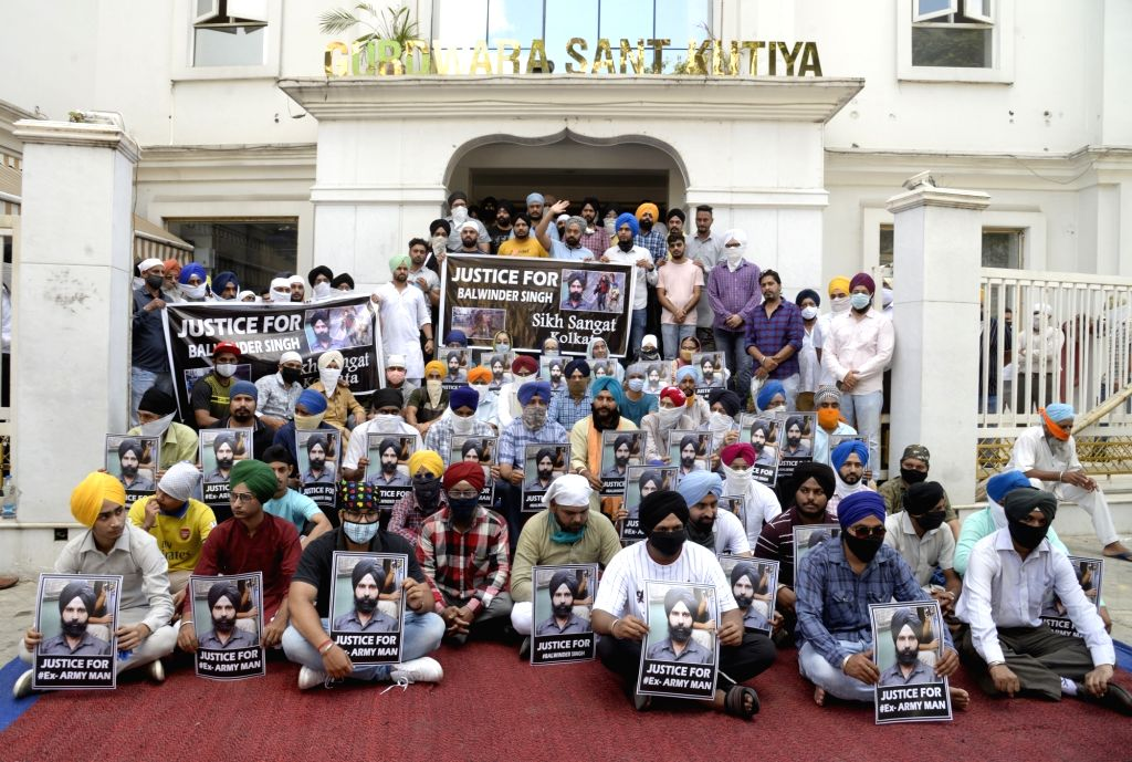 Members of the Sikh community protest demanding the immediate release of Sikh man Balwinder Singh who was arrested for carrying a pistol at the Bharatiya Janata Party (BJP) agitation in ... - Balwinder Singh