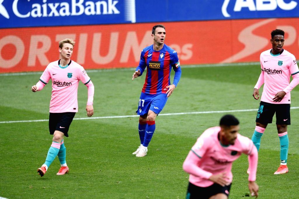 Mendilibar ends long association with relegated Eibar