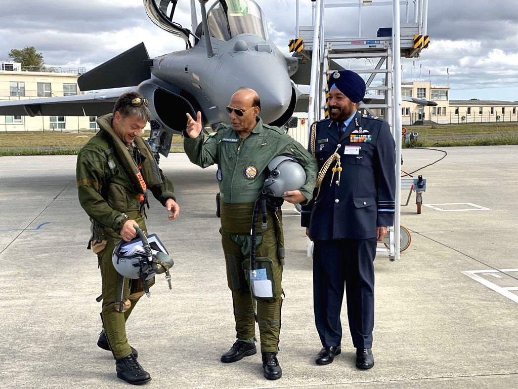 Merignac: Defence Minister Rajnath Singh all set to undertake a sortie in a twin-seater trainer version of the Rafale fighter aircraft, at the Dassault facility in Merignac, on Oct 8, 2019. (Photo: IANS/RMO) - Rajnath Singh