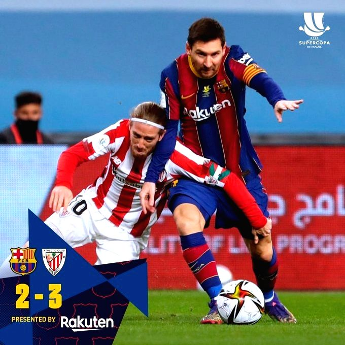 Messi shown first red card of Barcelona career.(photo:Twitter)