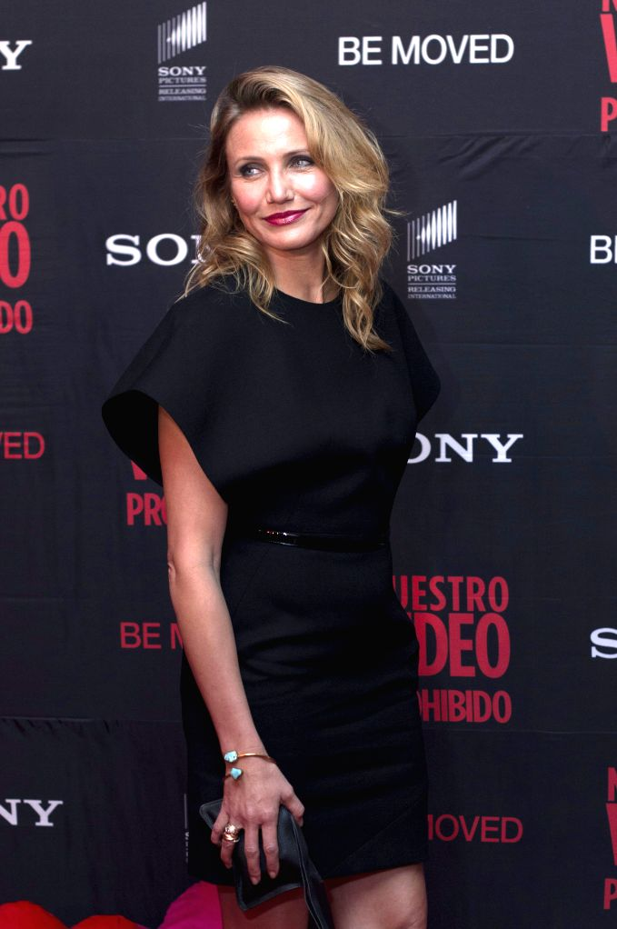 """U.S. actress Cameron Diaz, poses for photographs during the red carpet for the film """"Sex Tape"""", in Mexico City, capital of Mexico, on July 30, 2014. .. - Cameron Diaz"""