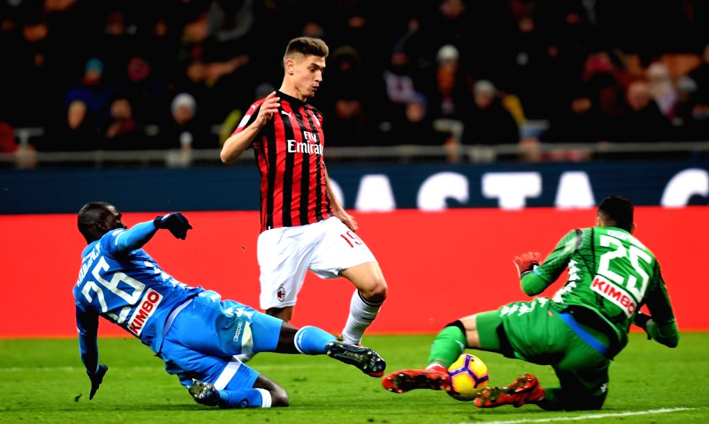 MILAN, Jan. 27, 2019 - AC Milan's Krzysztof Piatek (C) competes during a Serie A soccer match between AC Milan and Napoli in Milan, Italy, Jan. 26 , 2019. The match ended 0-0.