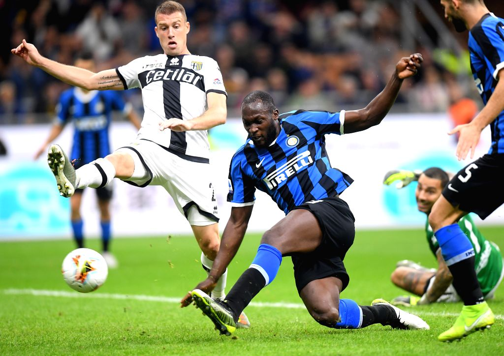 MILAN, Oct. 27, 2019 - FC Inter's Romelu Lukaku (R) scores during a Serie A soccer match between FC Inter and Parma in Milan, Italy, Oct. 26, 2019.